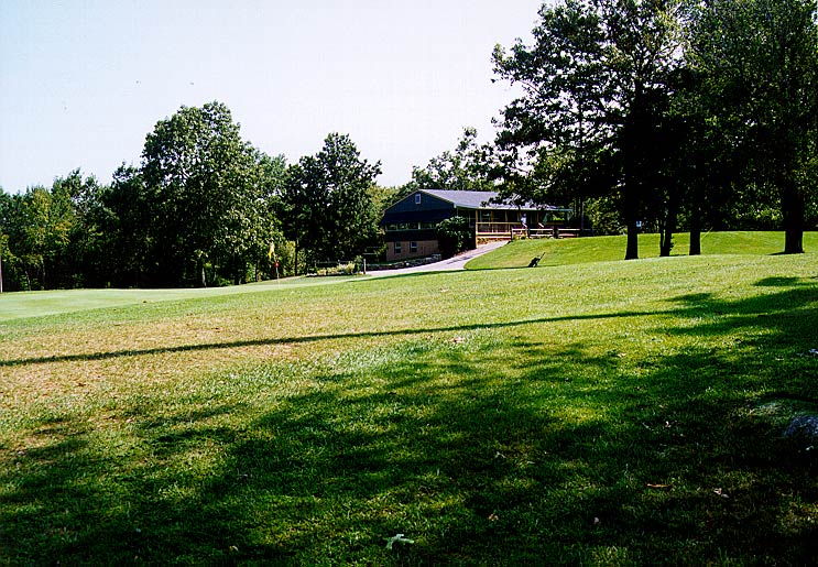 9dg-right-clubhouse